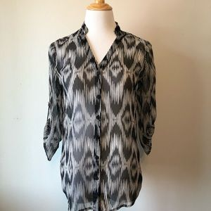 EUC-CHICO'S Black & White Button Up Blouse-Size 4